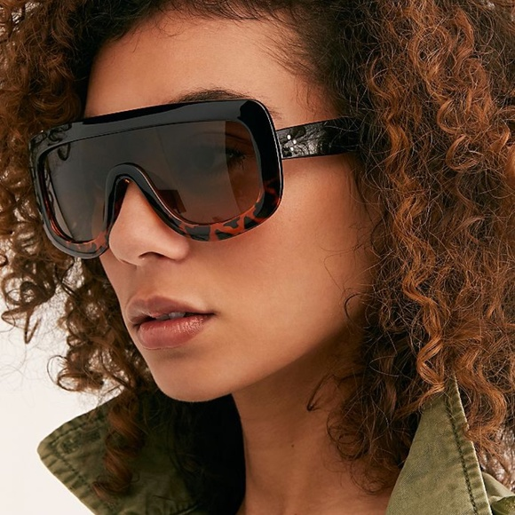 Free People Accessories - Free People She's in Charge Shield Sunglasses